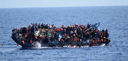 ITALY-REFUGEE-IMMIGRATION-SHIPWRECK-RESCUE